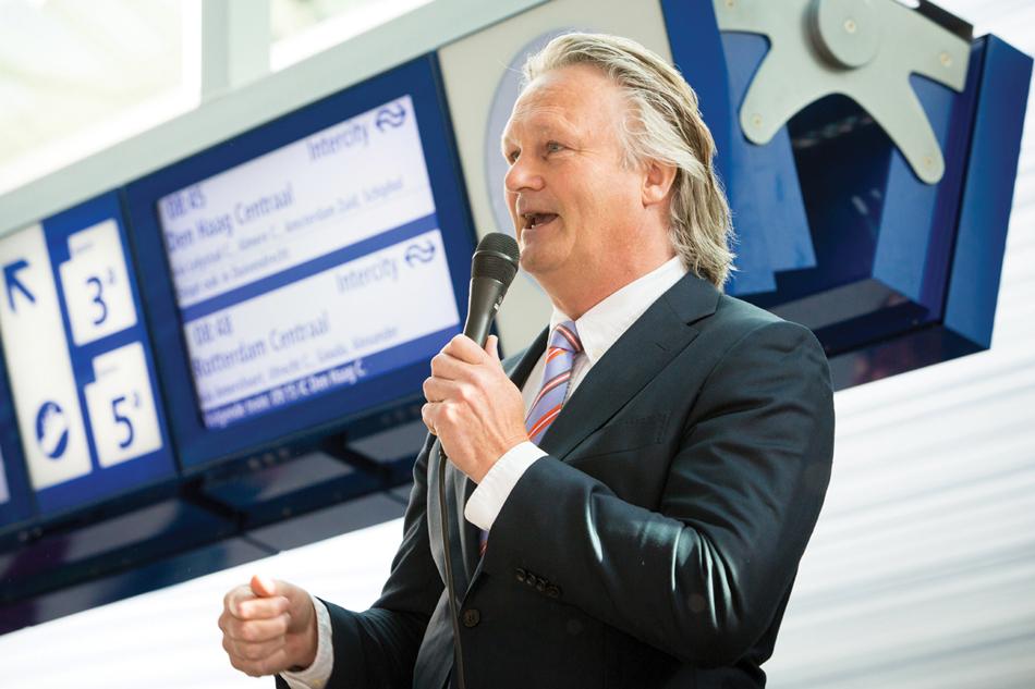 President-directeur Pier Eringa van ProRail is eregast op de algemene ledenvergadering van de NVBS op 8 april 2017 in Amersfoort. Foto: ProRail/Stefan Verkerk.