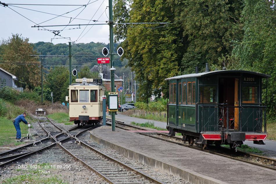 De AR.86 loopt op 18 september 2016 om in het tramstation van de ASVi in Thuin. Foto: Frits van Buren.