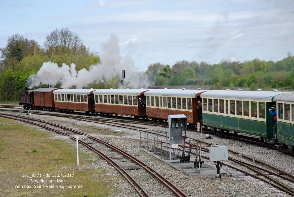 Een museumtrein met locomotief nr. 1 uit 1906 naar Saint-Valery-sur-Somme te Noyelles-sur-Mer.