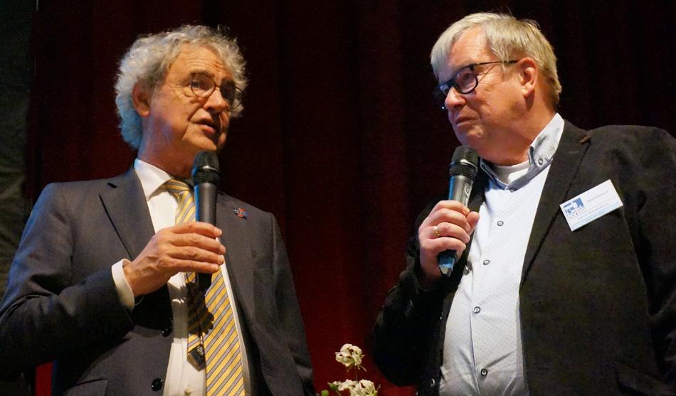 Roger van Boxtel, president-directeur van NS, en Gerrit Nieuwenhuis, voorzitter NVBS.